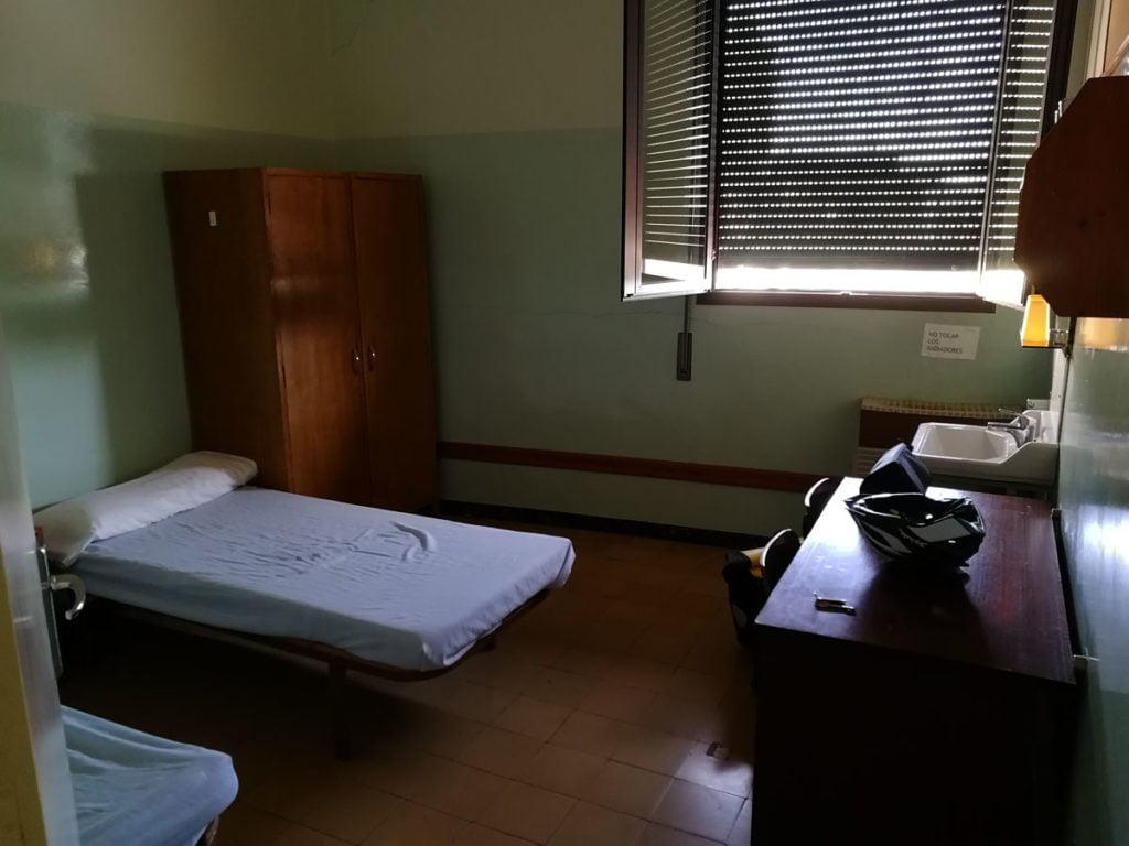 Habitación Residencia Sagrada Familia Cervera