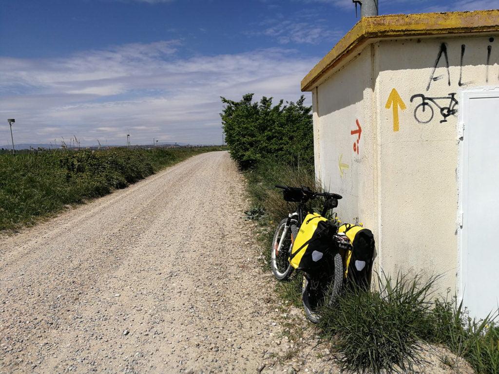 Camino de Santiago a la salida de Tudela