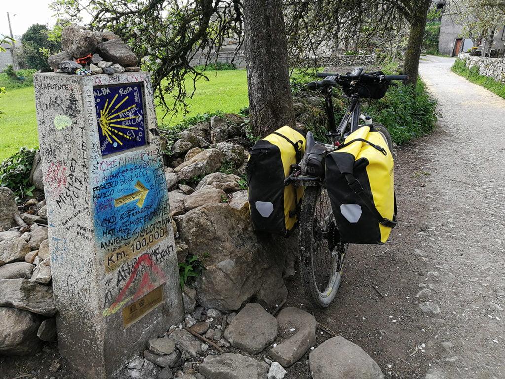 Monolito 100km a Santiago