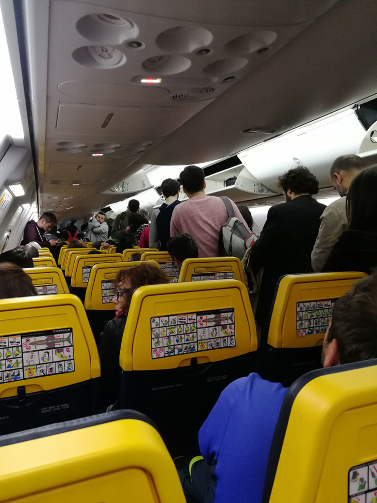 Cabina avión Ryanair