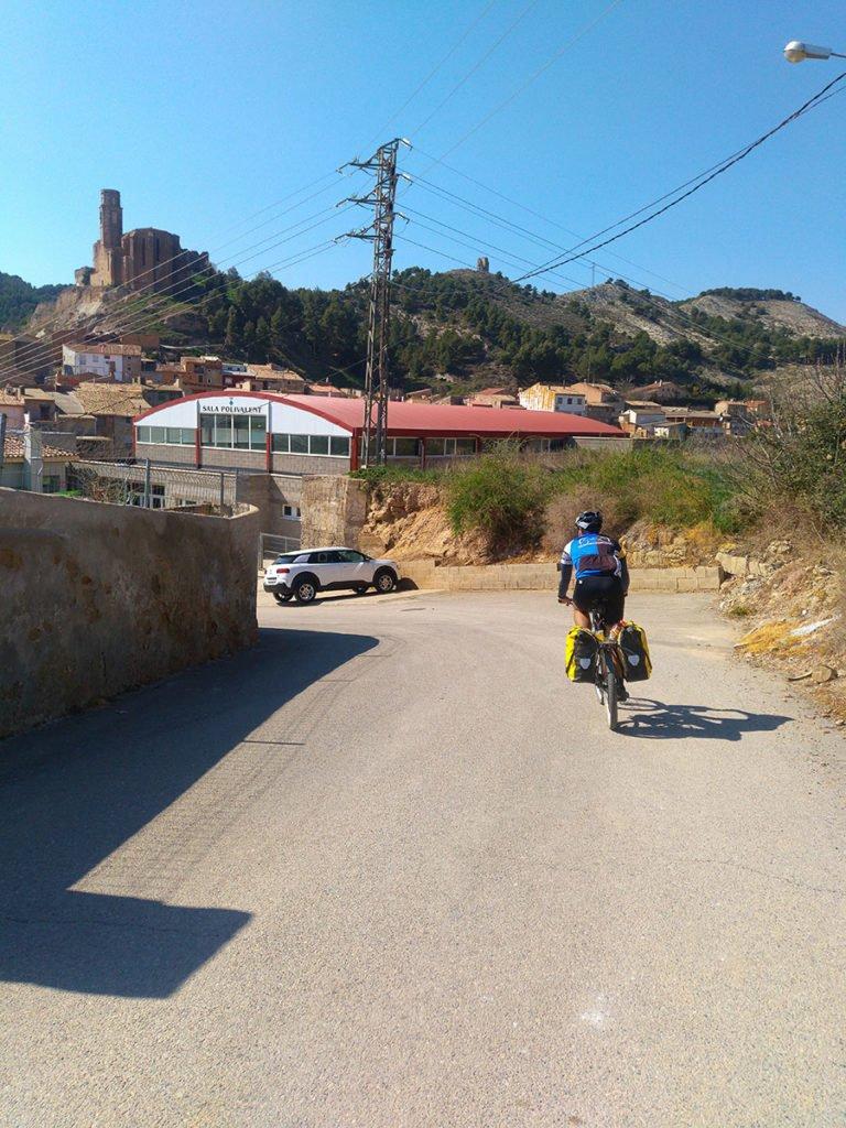 Entrando a Castelló de Farfanya por el Camino de Santiago o Camí de Sant Jaume