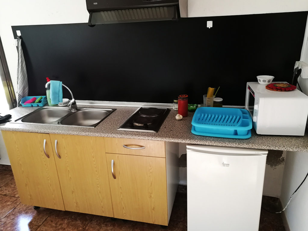 Cocina del albergue de Sarsamarcuello